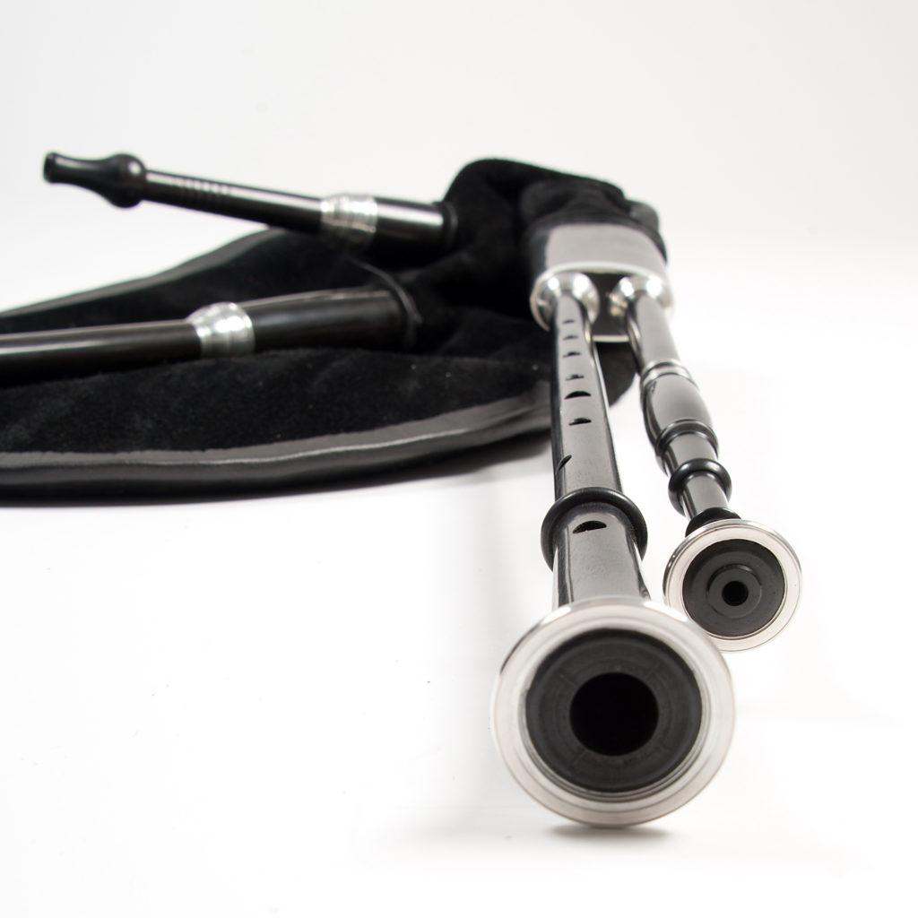 instrument de musique noir